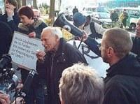 Proteste bei der Pressekonferenz der IG Farben