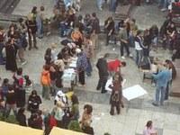 """""""Dole skolarine!"""" - StudentInnenproteste in Serbien"""