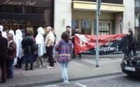 Nicht das Wahre: Protestaktion gegen Klinikbetreiber in Hannover
