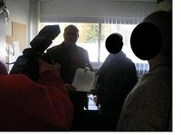 Bildungssyndikat übergibt Unterschriftenlisten gegen 1€-Job-Praxis des Studentenwerkes der Justus-Liebig-Universität
