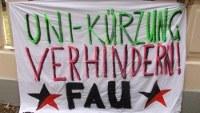 Protest gegen Unikürzungen auf dem Laternenfest in Halle/Saale