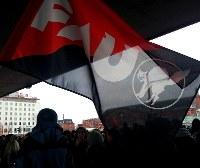 Solidarität mit den abgemahnten Bremer Mercedes-Beschäftigten!